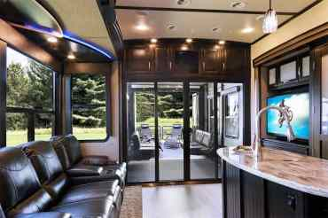 Luxury Rv 24