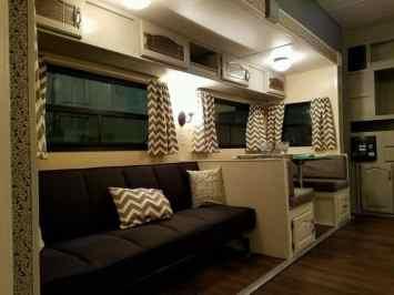 Shasta Camper Remodel 15