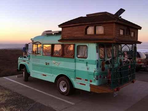 Van Home 19