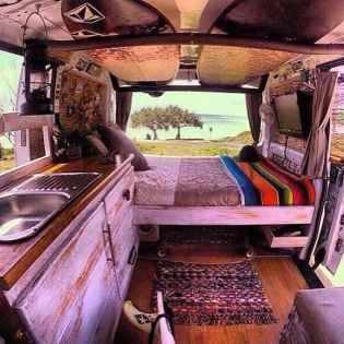Van Living 32