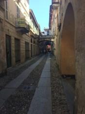 Orta san Guilio, enge Gassen, alte Fassaden