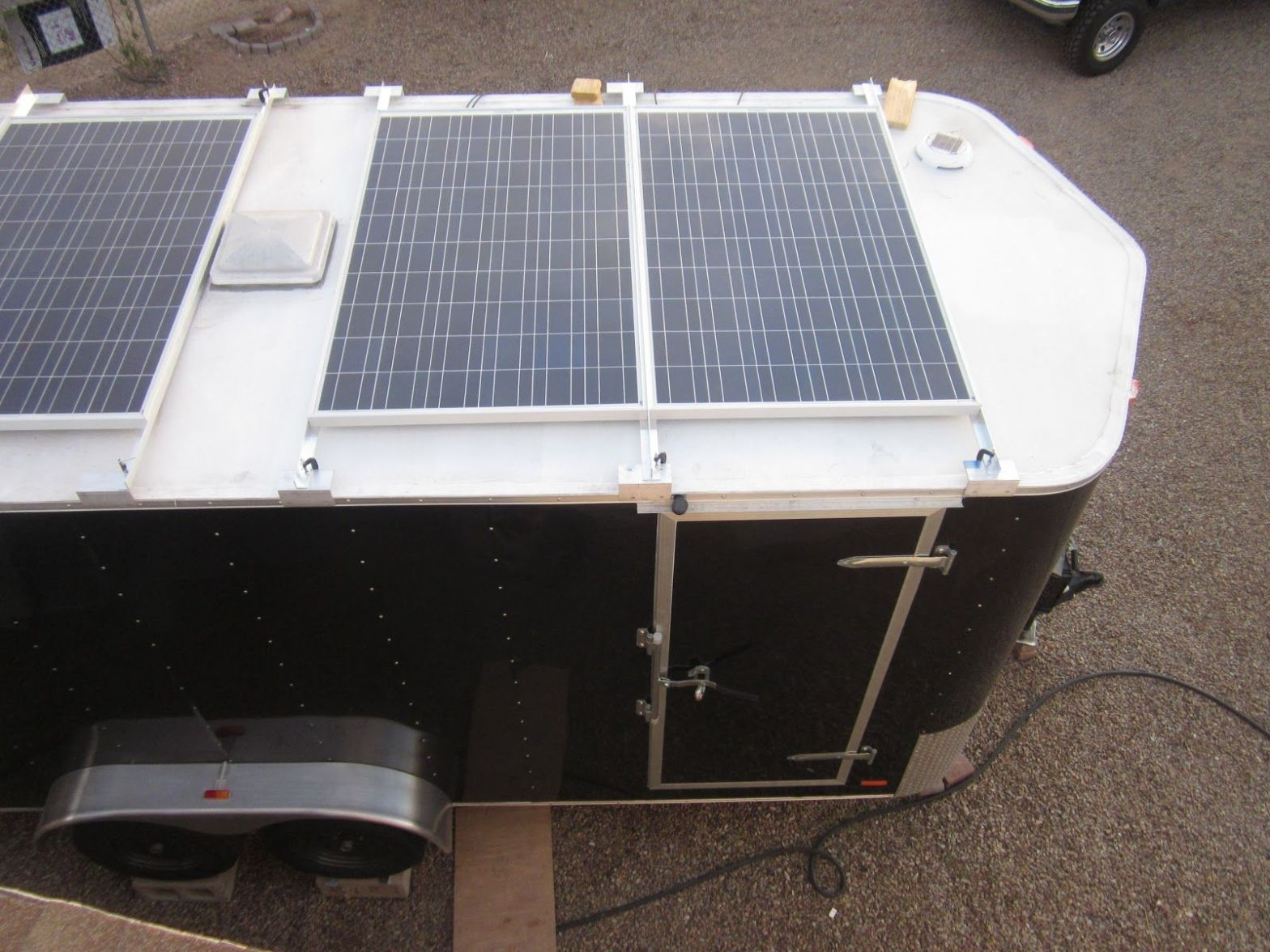 10 Best Enclosed Trailer Camper Conversion Ideas