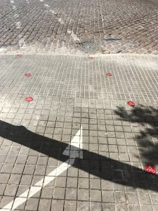 Jerez de la Frontera doet het heel sophisticated met lichtgevende stippen. Of het echt dat doet waar ze voor bedoeld zijn dat vragen we ons af.