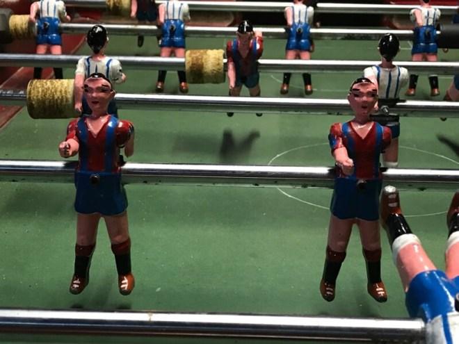 FC Barcelona, de trots van de stad. Deze voetballertjes kun je vinden in het Catalaanse historische museum.
