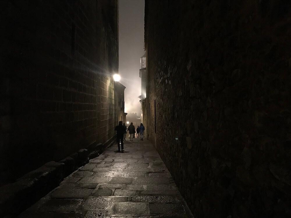 Dwalen in de nacht. Calle Cuesta de la Compañía.