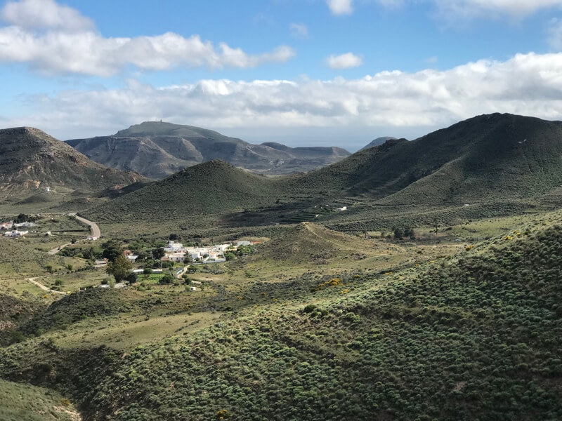 De foto van donderdag met in de verte het dorpje Hortichuelas