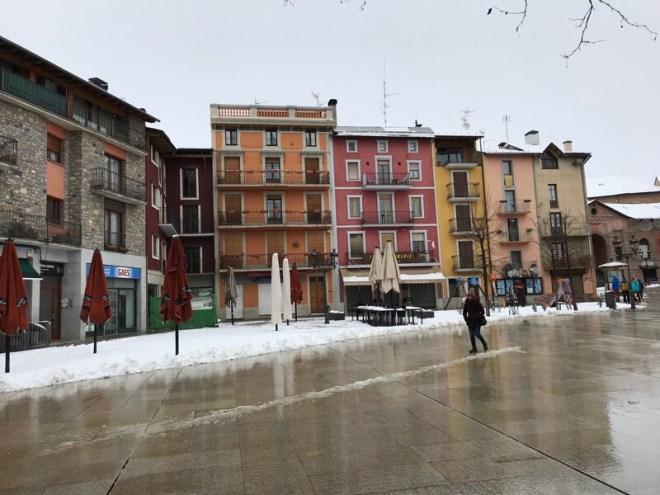 Puigcerdà is een aangenaam en vooral aangeharkt wintersportstadje.
