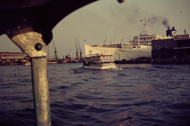 De haven van Barcelona tijdens een bootexcursie in 1967.