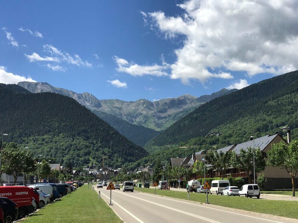 Het charmante dorpje Vielha, hoofdstadje van Val d'Aran.