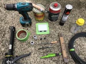 Alles Material und Werkzeug für die Fahrzeugaufrüstung mit einer Solaranlage