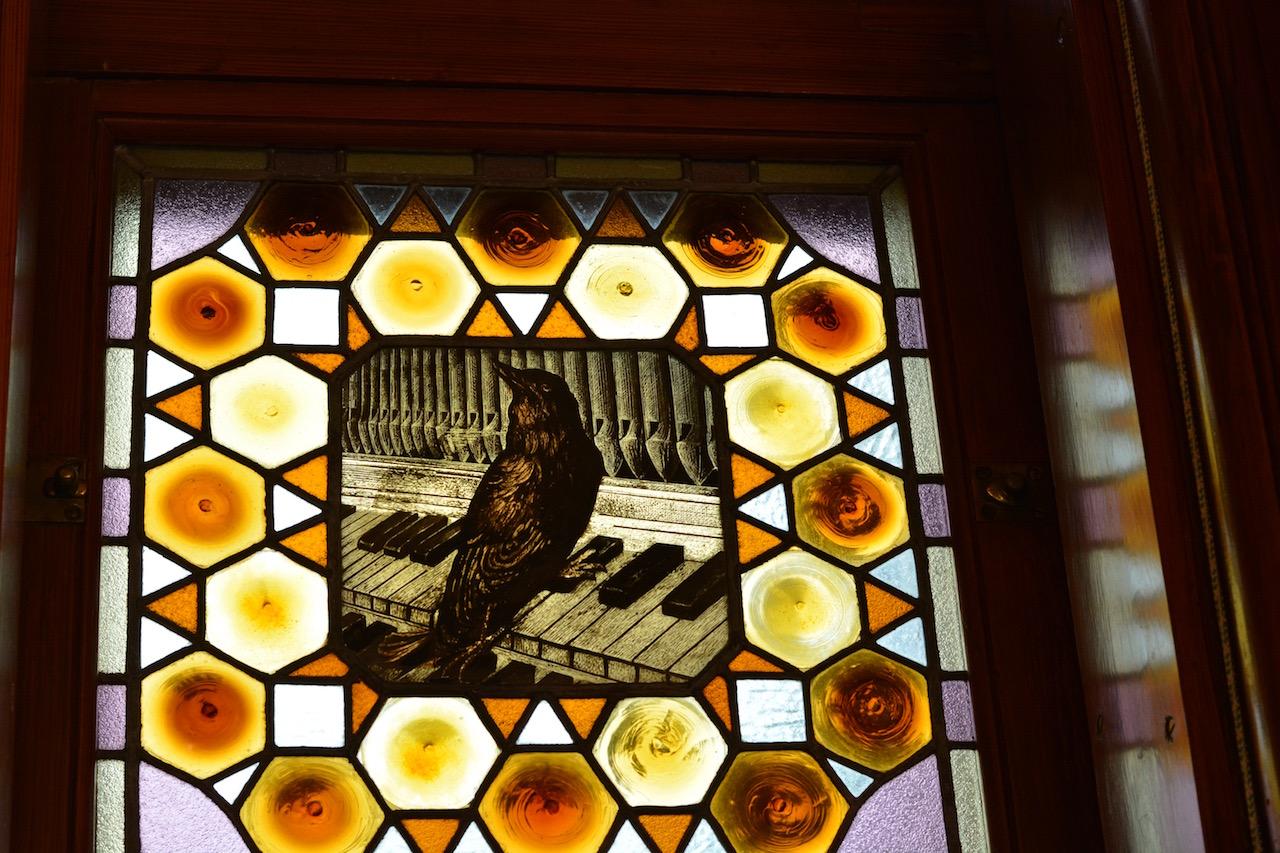 Stained glass window inside El Caprichio