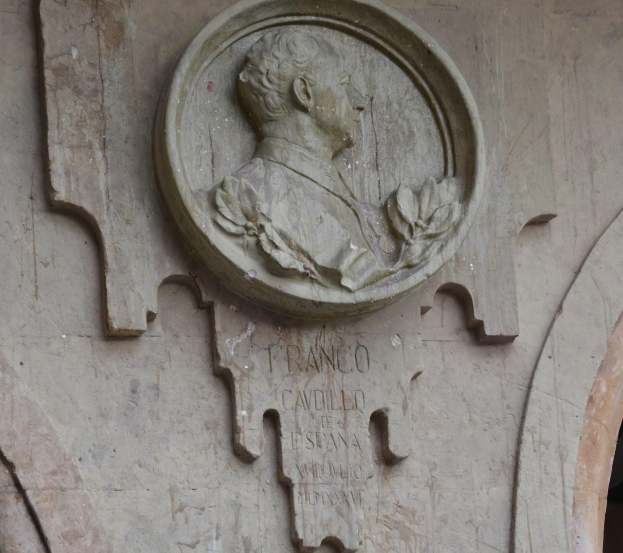 franco-plaque-vandalised-in-salamancce-plaza-mayor