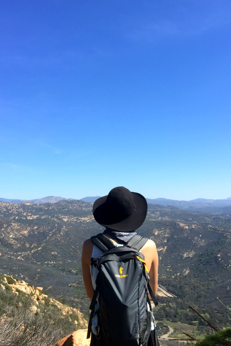 Alyx of Shoestring Adventures Hiking in San Diego California - Campfire Chic
