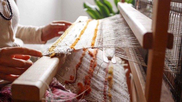 Macam-Macam Produk Kerajinan Yang Dibuat Dengan Teknik Menenun