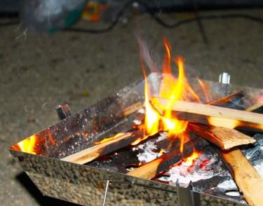 BBQの火起こしの方法。着火剤の選び方とスムーズな火起こし法