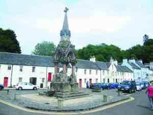 Dunkeld,_Market_Place,_fountain