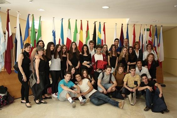 Escolares y estudiantes de Andújar participantes en el Día de Europa.