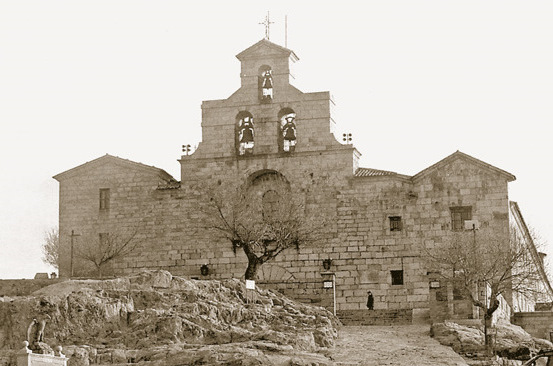 Basílica y Real Santuario de la Virgen de la Cabeza, en Andújar.