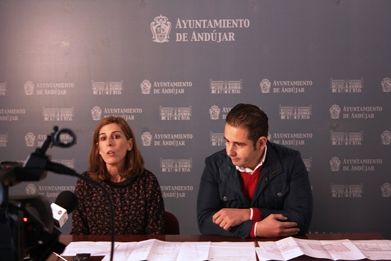 La concejala de Cultura, Delia Gómez, y el concejal de Servicios e Infraestructuras Municipales, Félix Caler.