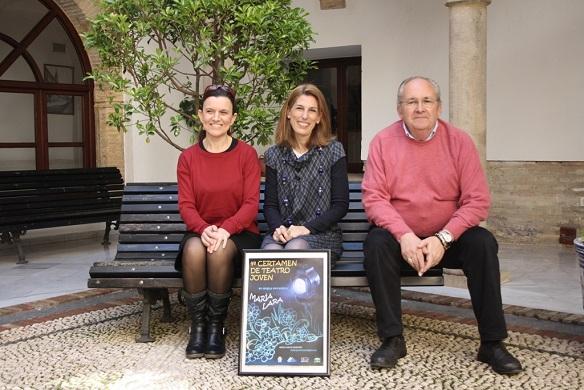 La concejala de Cultura, Delia Gómez, junto a José Luis Toribio y Leonor Cantero.