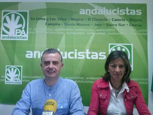 Francisco Mendieta y Encarna Camacho, en rueda de prensa.