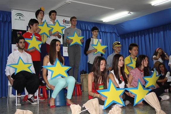 Alumnos del IES Jándula celebrando el Día de Europa.