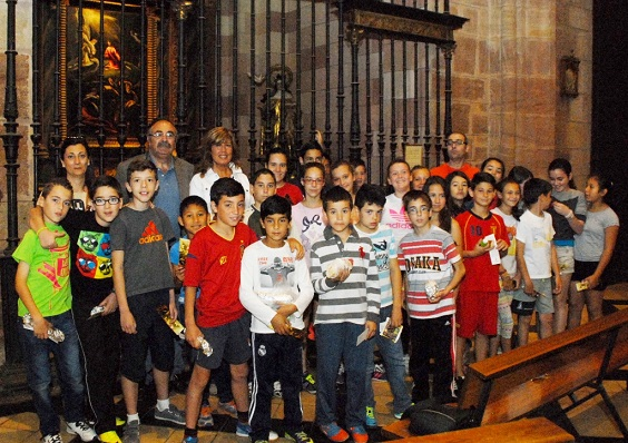 Escolares de Andújar ayer en la visita para ver la obra.