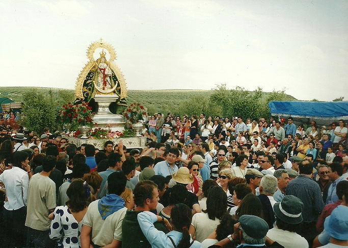 Muchos vecinos de la comarca han vivido con fervor la Romería de la Virgen de Alharilla.
