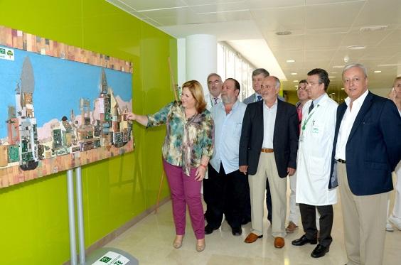 Ángeles Jiménez visita la exposición.