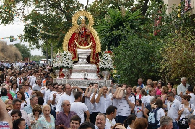 La Virgen de Alharilla permanecerá una semana en Lopera.