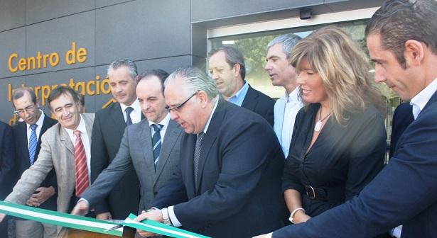 Acto de inauguración del Centro de Interpretación de la Miel, en Andújar.