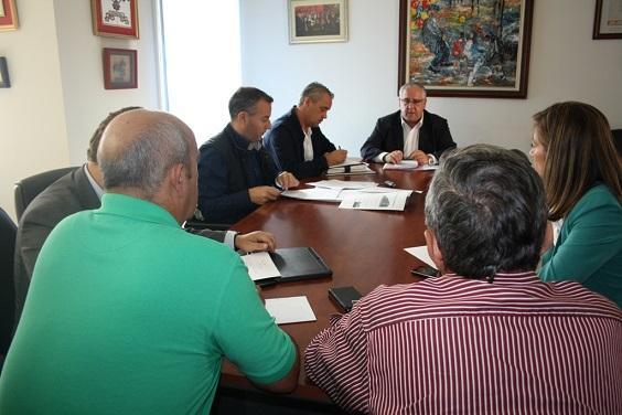 Reunión de los miembros del patronato del Organismo Autónomo Local, de Andújar.