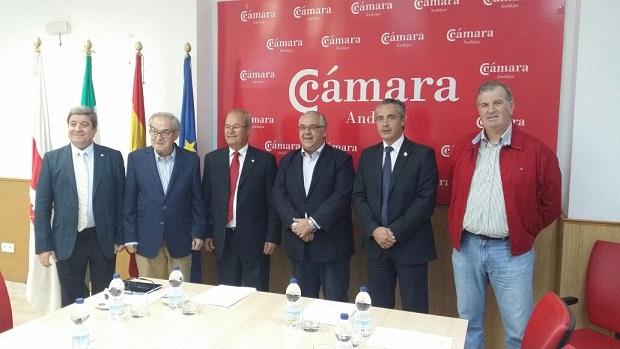 Encuentro mantenido en la sede de la Cámara de Comercio de Andújar.