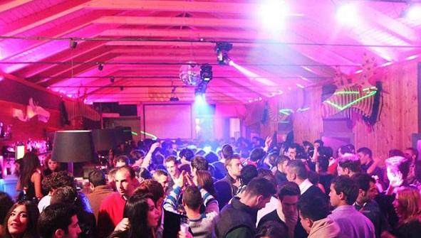 Ambiente nocturno en un Pub de Andújar.
