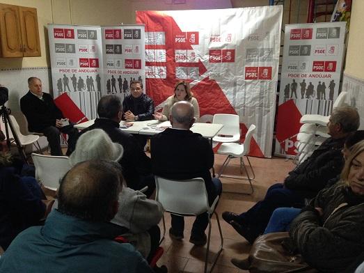 El PSOE de Andújar organizó un debate abierto con los vecinos.