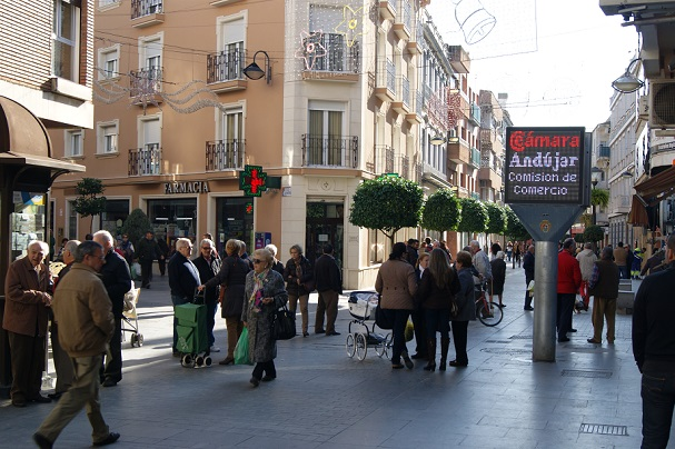 Céntrica calle comercial en Andújar.