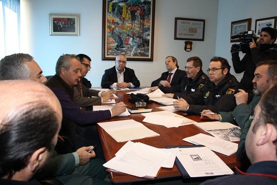 Reunión de la Junta Local de Seguridad para abordar el dispositivo de seguridad y tráfico del evento.