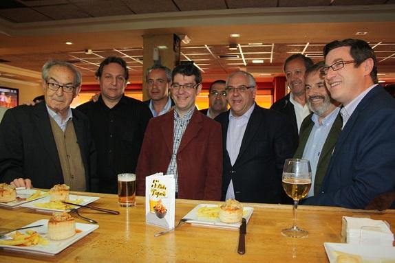 El jefe de la Oficina Económica de la Moncloa, Álvaro Nadal, en su visita a Andújar.