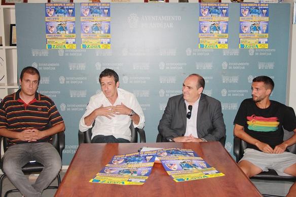 El concejal de Deportes, Paco Plaza, presenta estos dos partidos de fútbol.