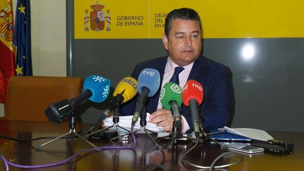 El delegado del Gobierno en Andalucía, Antonio Sanz, en rueda de prensa.