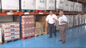 Francisco Reyes y Diego Valero, en las instalaciones de la Fundación Banco de Alimentos.
