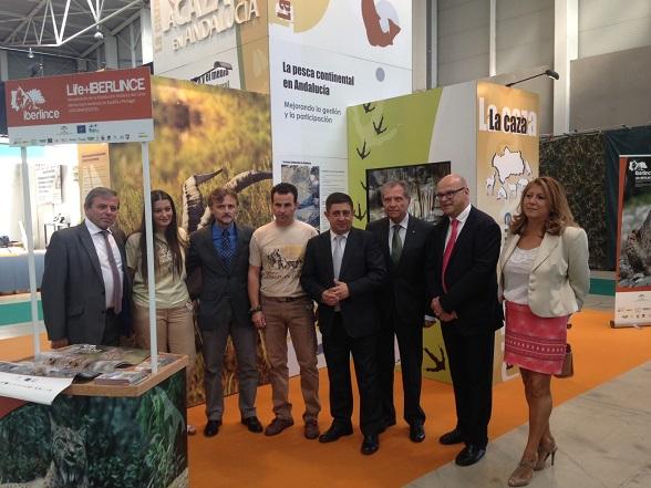 El consejero de Medio Ambiente, José Fiscal, ha inaugurado junto al presidente de la Diputación de Jaén, Francisco Reyes, Ibercaza 2015.