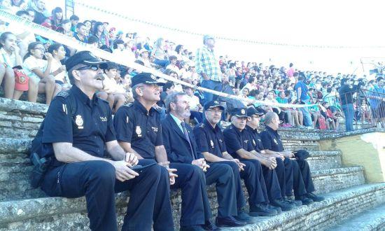 El subdelegado del Gobierno, Juan Lillo, y mandos del Cuerpo Nacional de Policía asistieron a este evento en Andújar.