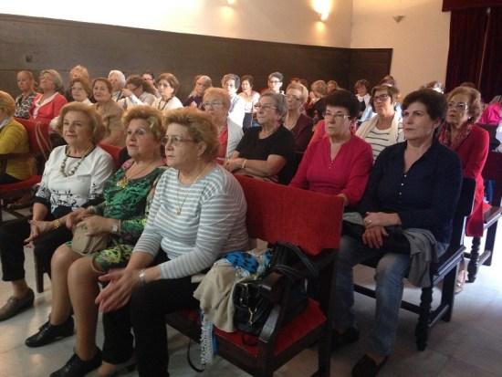 Asistentes a una de las charlas impartidas por los facultativos del Hospital de Andújar.