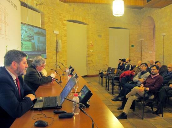 Juan Carlos Castillo y Vicente Salvatierra, durante esta ponencia.