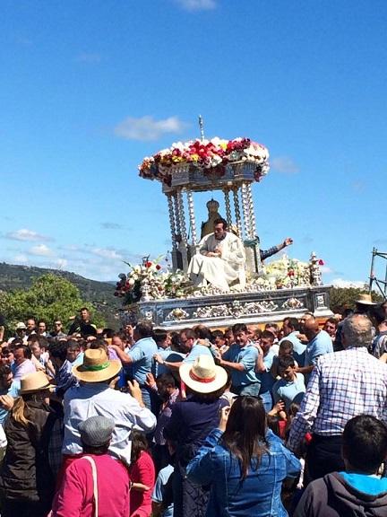 Procesión de la Morenita por las calzadas del Santuario. Foto: Ayuntamiento de Andújar.