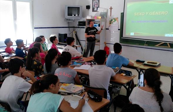 Los escolares de Andújar asisten a esta charla sobre la violencia de género.