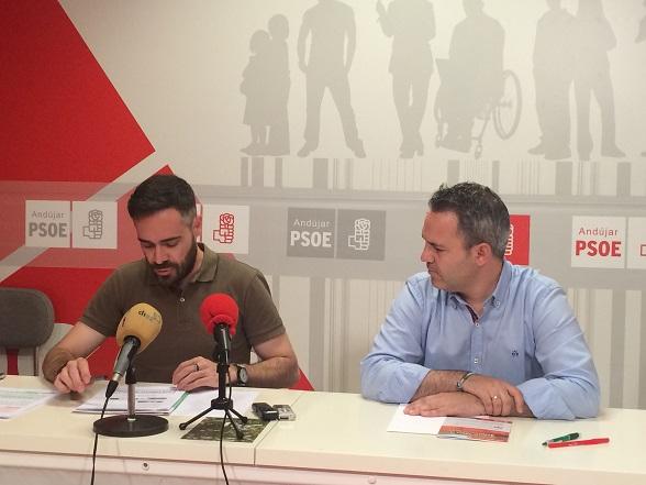 El candidato socialista al Congreso, Felipe Sicilia, junto a Jesús del Moral.