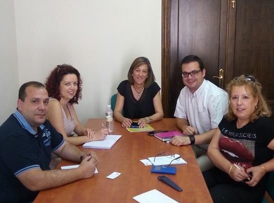 La concejala de Promoción Local, Encarna Camacho,  ha mantenido una reunión con miembros de la Oficina de Proyectos Internacionales de la Universidad de Jaén.