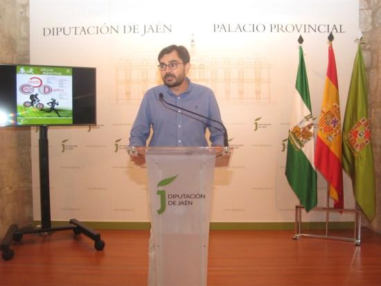El diputado provincial Juan Ángel Pérez presentando el plan Creando Cultura Deportiva.